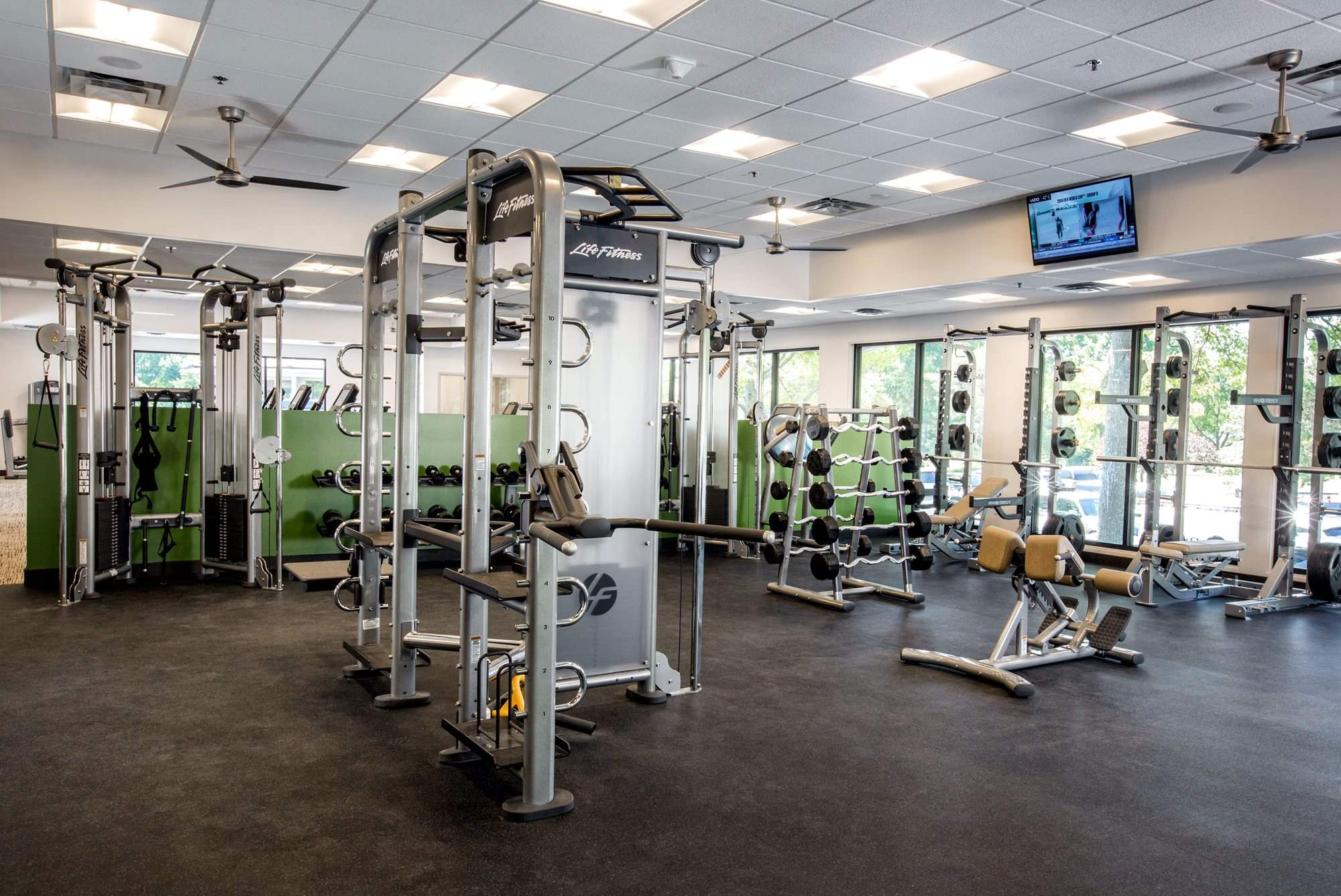 Fitness_Room_3_Weights